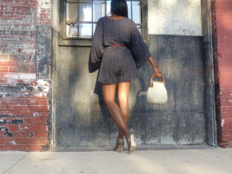 kimono-back-view-legs