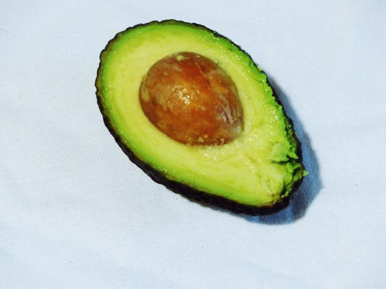 avocado half edit.png